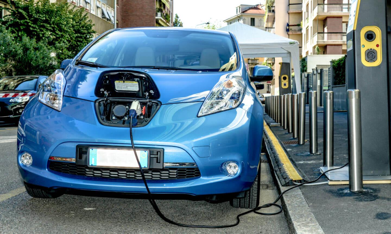 El-futuro-de-los-vehiculos-electricos-y-el-impacto-al-medio-ambiente-01