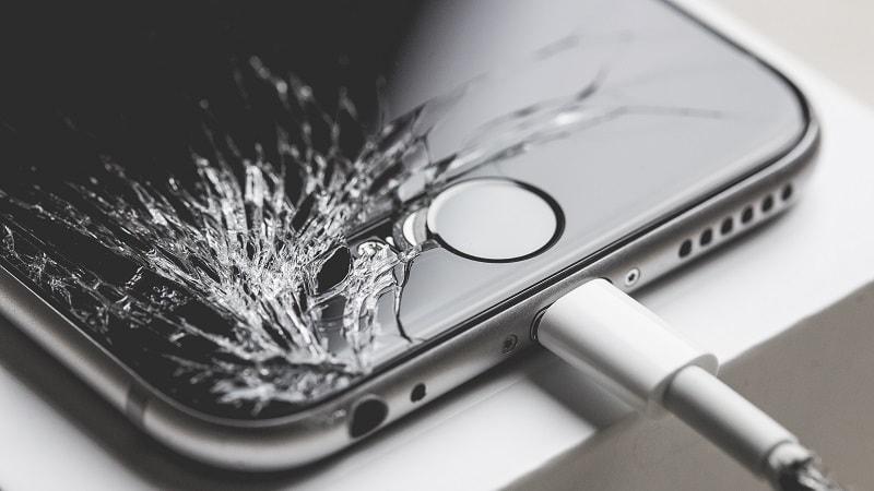 Reparar-iPhone-con-pantalla-rota