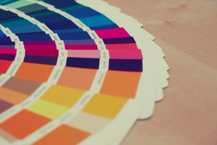 La-paleta-de-colores-como-nueva-tendencia-de-diseño-en-el-sector-hotelero-de-Barcelona-696x465